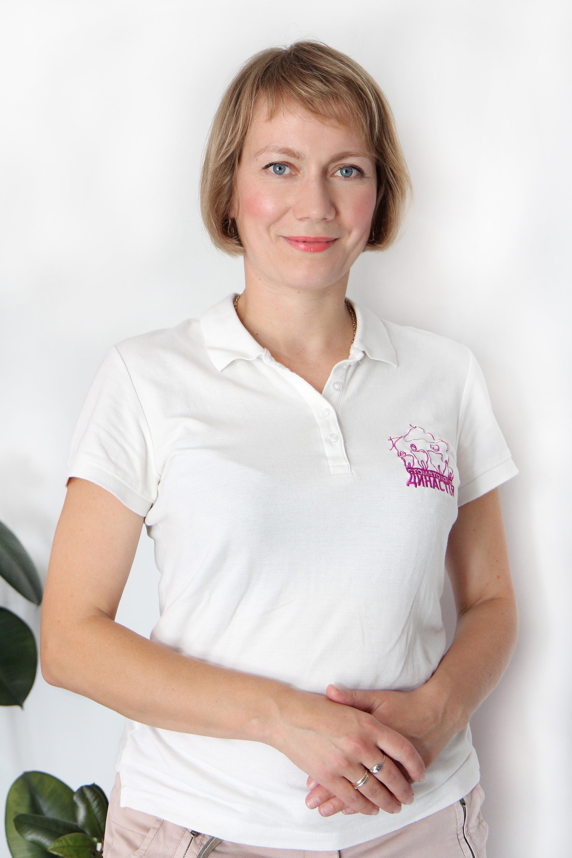 Парадонтолог Мар'яна Дурбак: лікування пародонту, реставрації